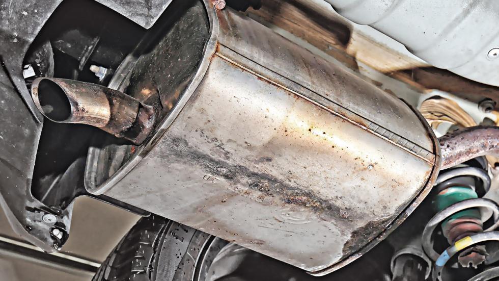 Lancia Ypsilon bajos