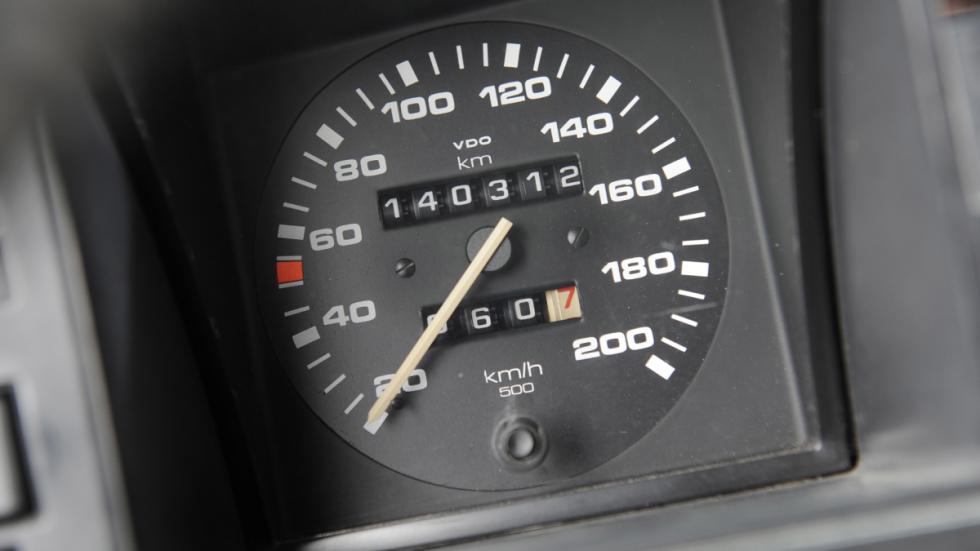 Con 231 CV y una aerodinámica de tetra brick, casi tumbaba la aguja: 185 km/h
