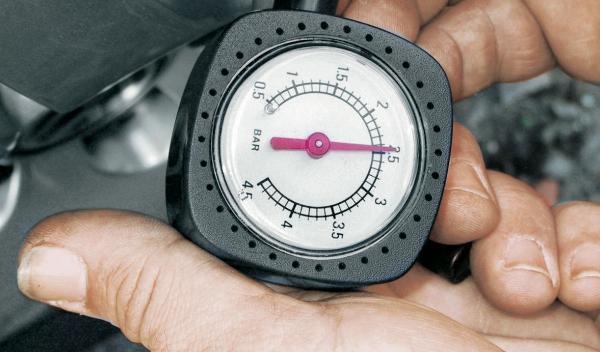 práctico autobild ahorro consumo presión