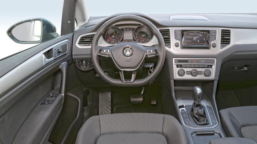 volkswagen golf sportsvan interior