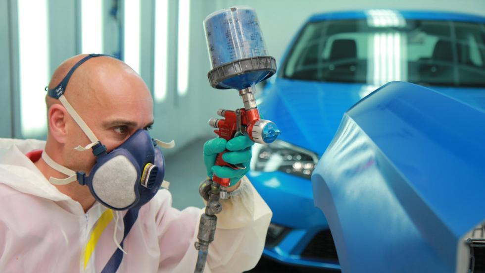 Cómo se diseña el color de un coche pintar coche