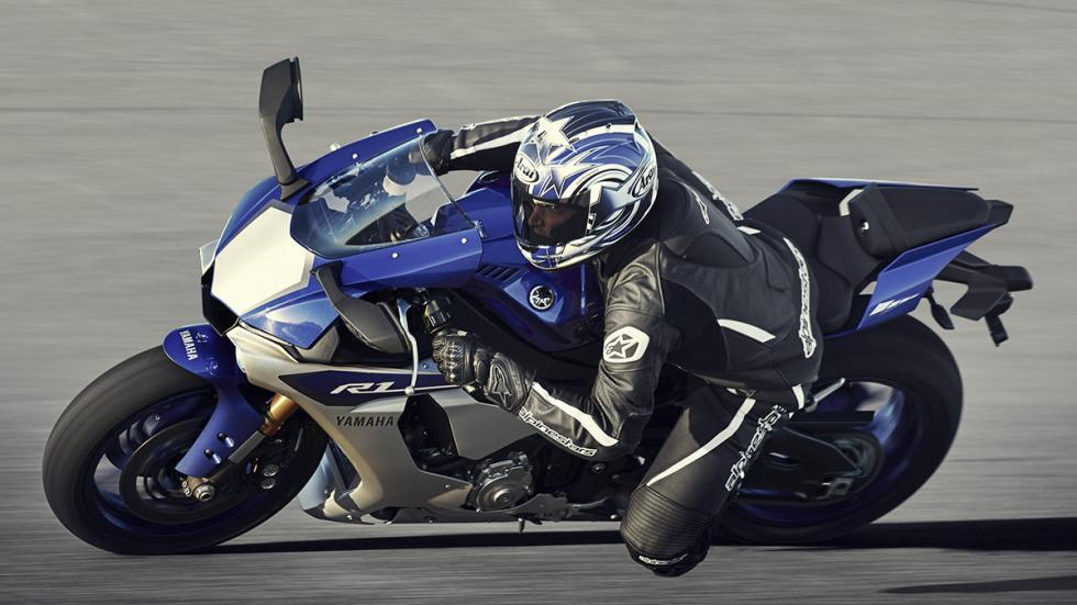 Yamaha R1 2015 4