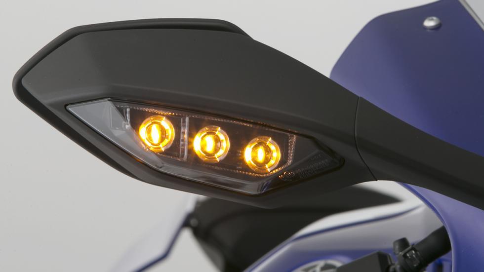 Yamaha R1 2015 8