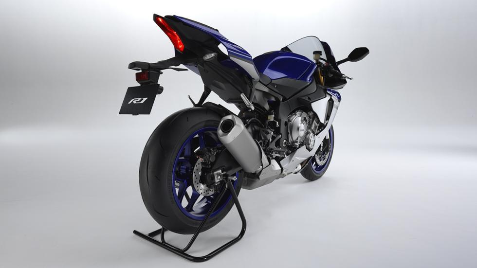 Yamaha R1 2015 11