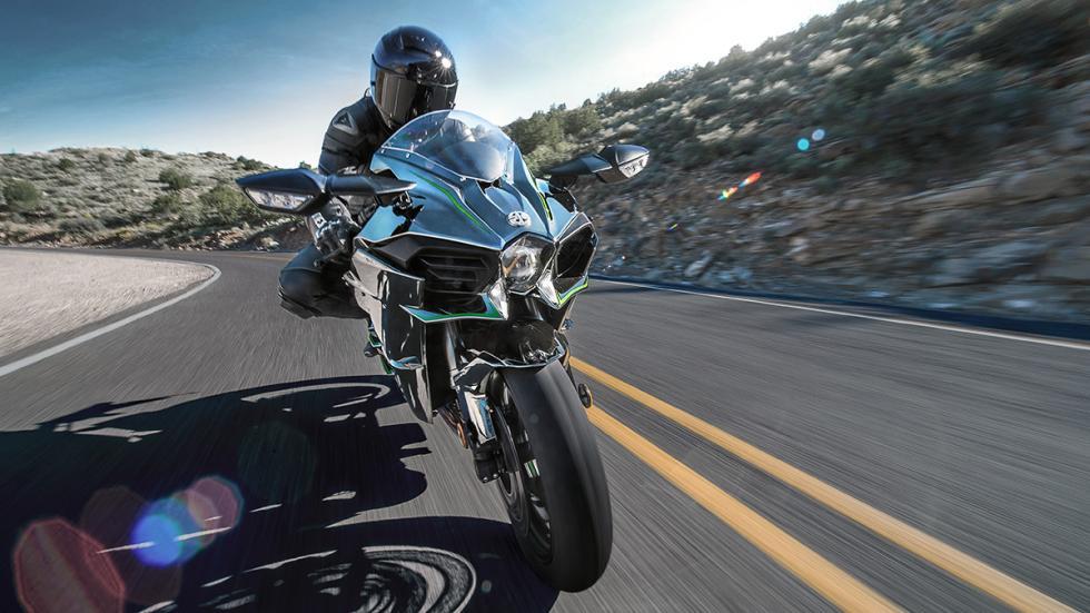 Kawasaki Ninja H2 acción