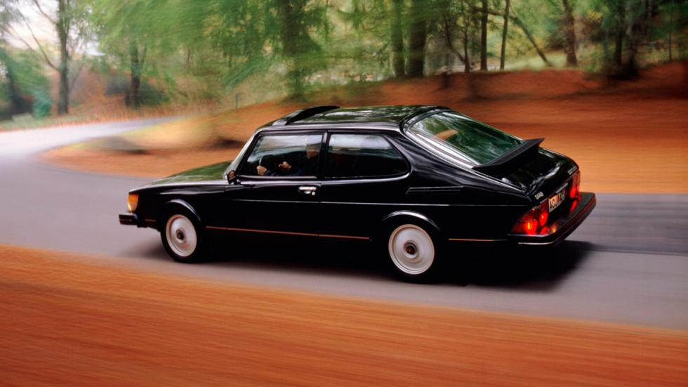 Saab 900 trasera