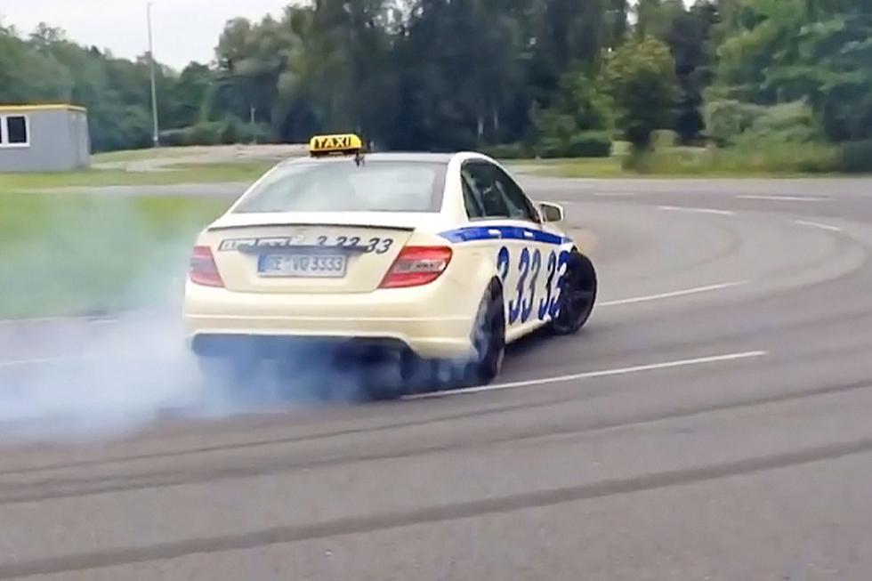 El taxi más rápido circuito zaga