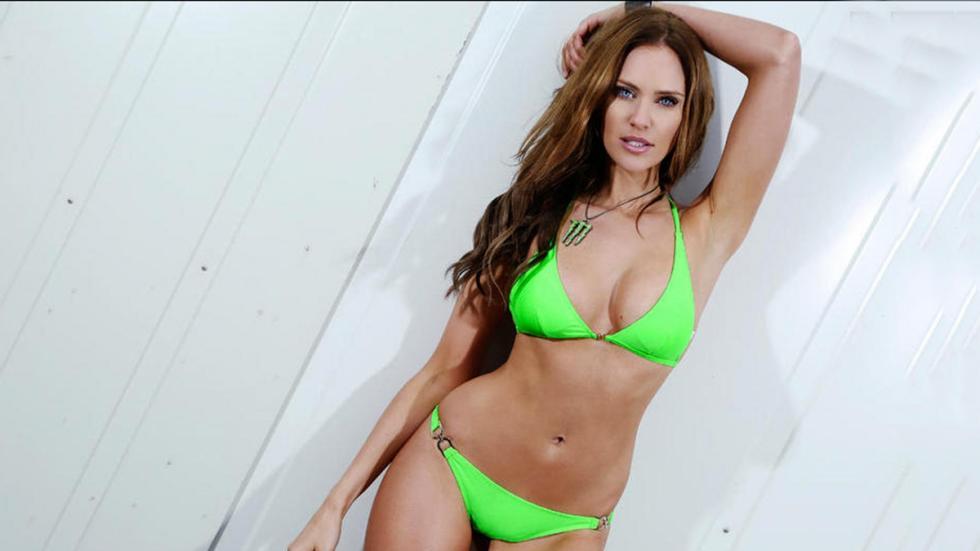 Las Monster Girls en bikini