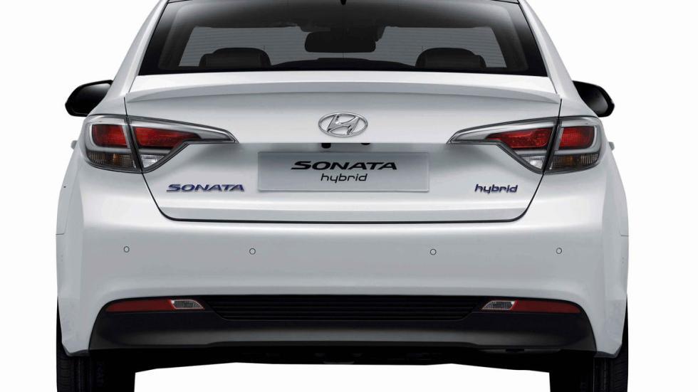 Hyundai Sonata híbrido zaga