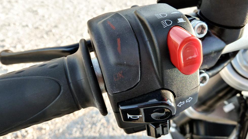MV Agusta Brutale 800 botones 2