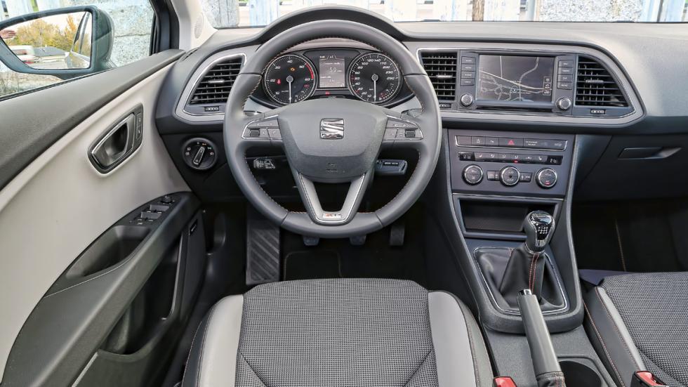 Seat León X-Perience no ha nacido para campo, pero cumple