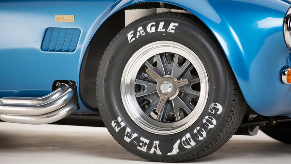 Shelby Cobra 427 50 Aniversario rueda