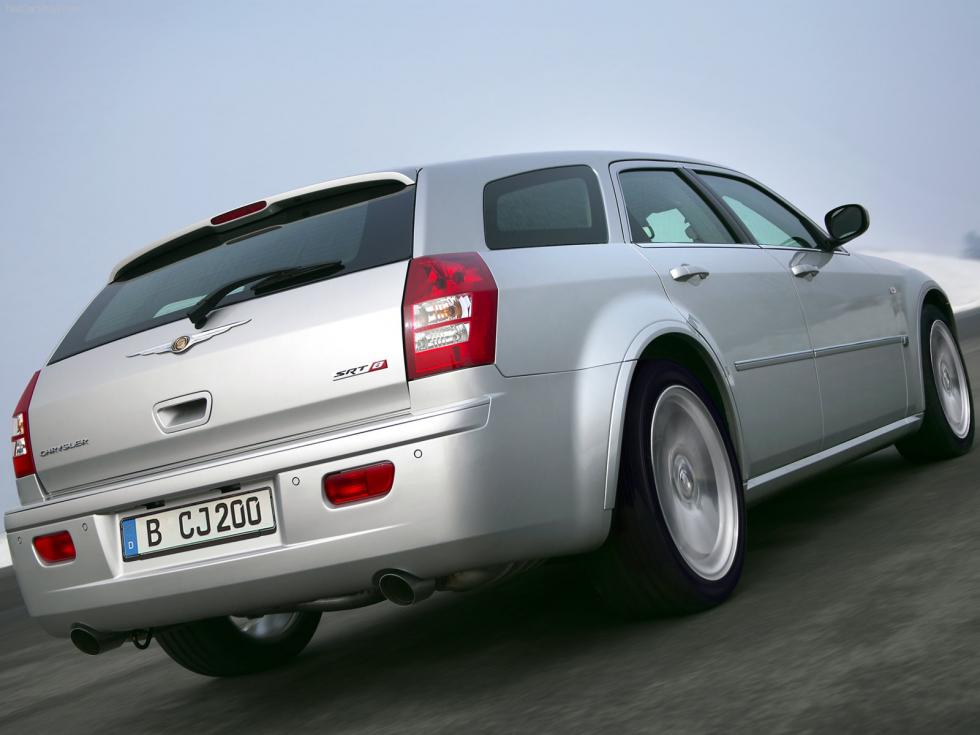 Chrysler 300 C Touring SRT8 - Trasera