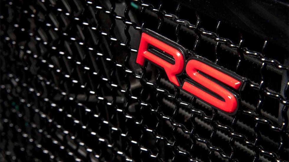 Land Rover Defender Ultimate RS detalle parrilla