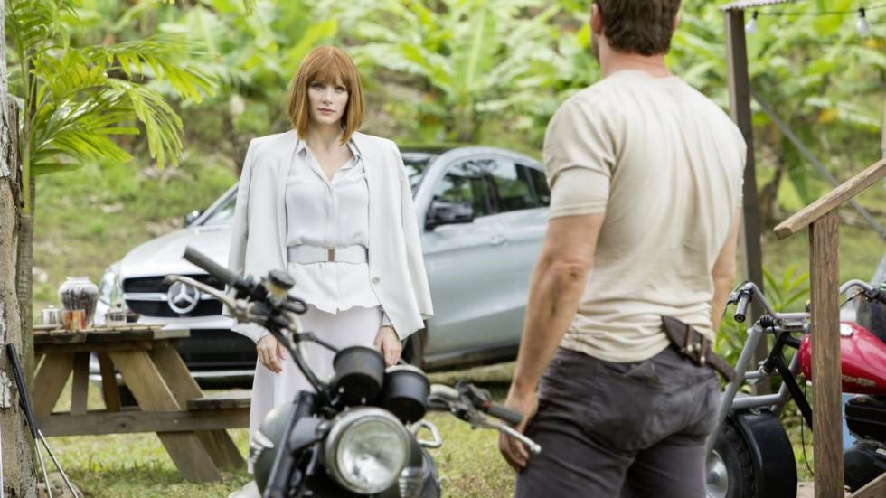 Escena de la peliícula Jurassic World con el Mercedes GLE Coupé