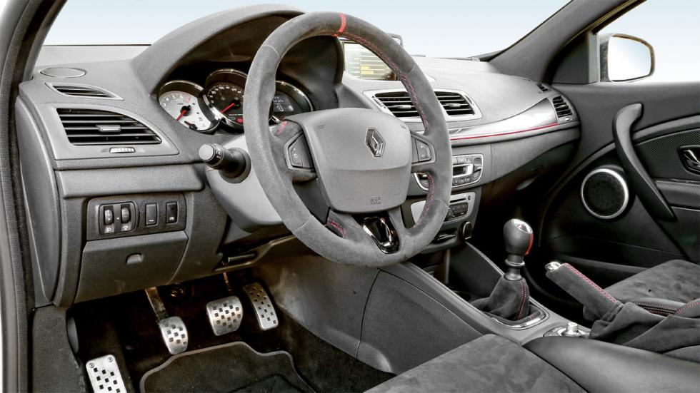 Renault Mégane RS Trophy R interior