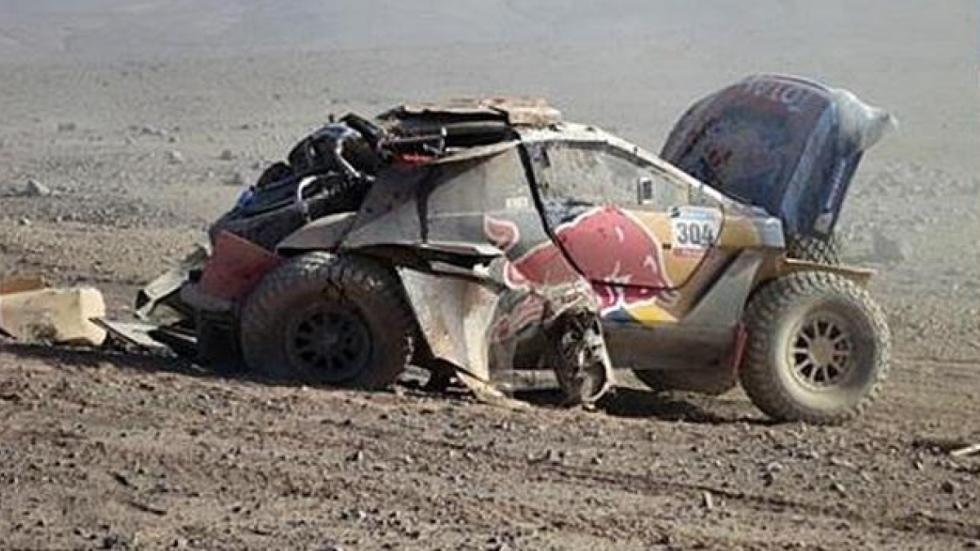 Accidente-Peugeot-2008-DKR-Sainz-Dakar-2015-lateral