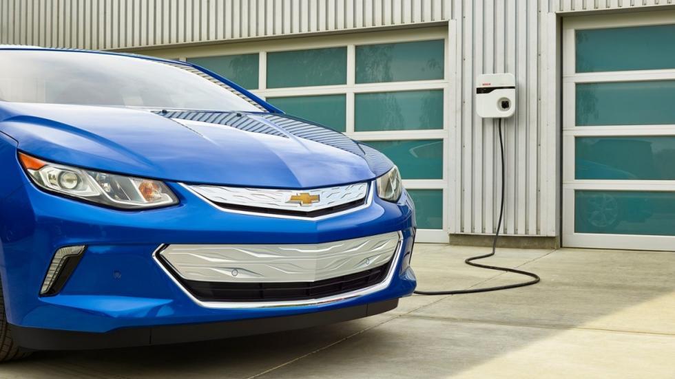 Chevrolet-Volt-enchufado