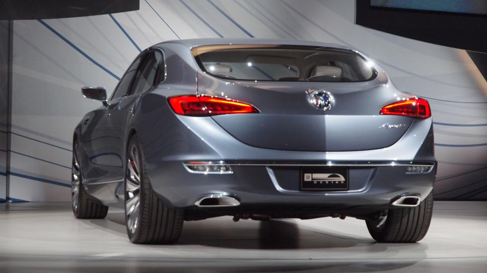 Buick Avenir Concept trasera