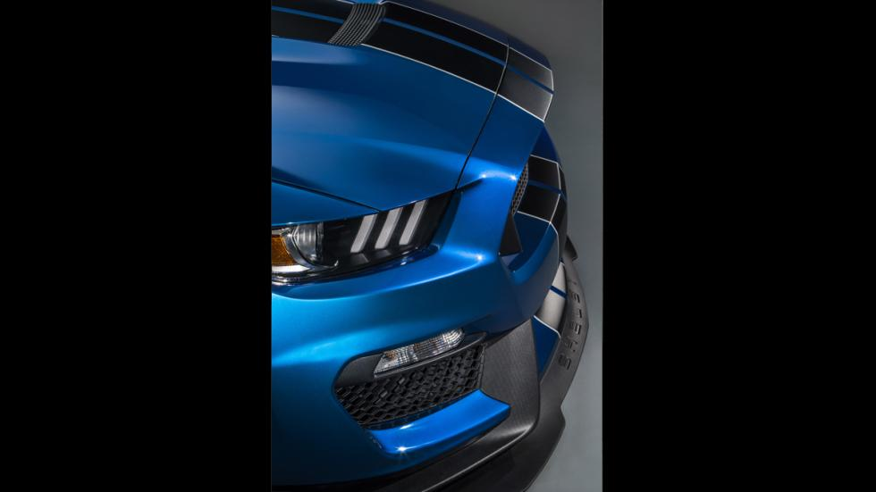 Ford Mustang Shelby GT350R 2016 - 11