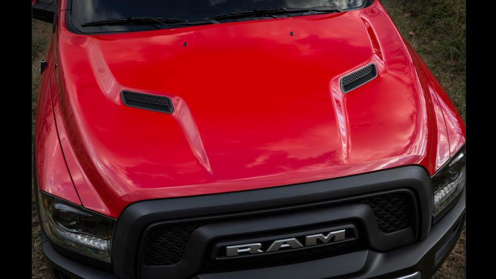 RAM-1500-Rebel - calandra y capó