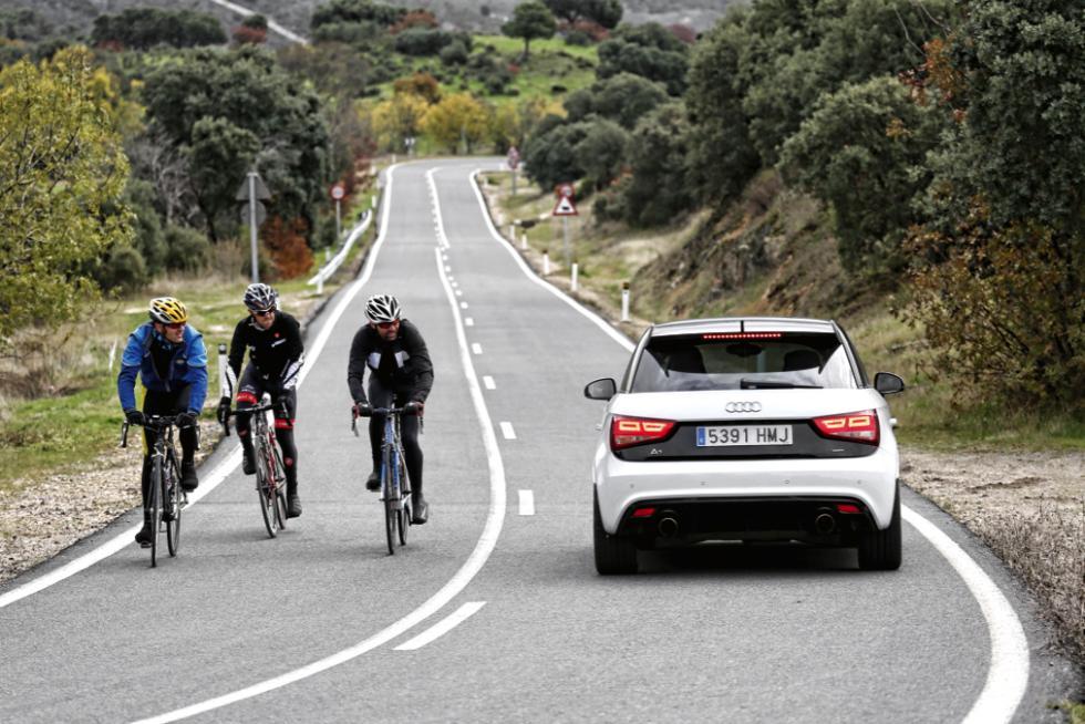 Audi A1 quattro trasera parado