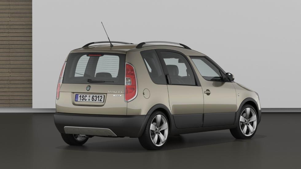 cinco coches estética SUV Skoda Roomster Scout zaga