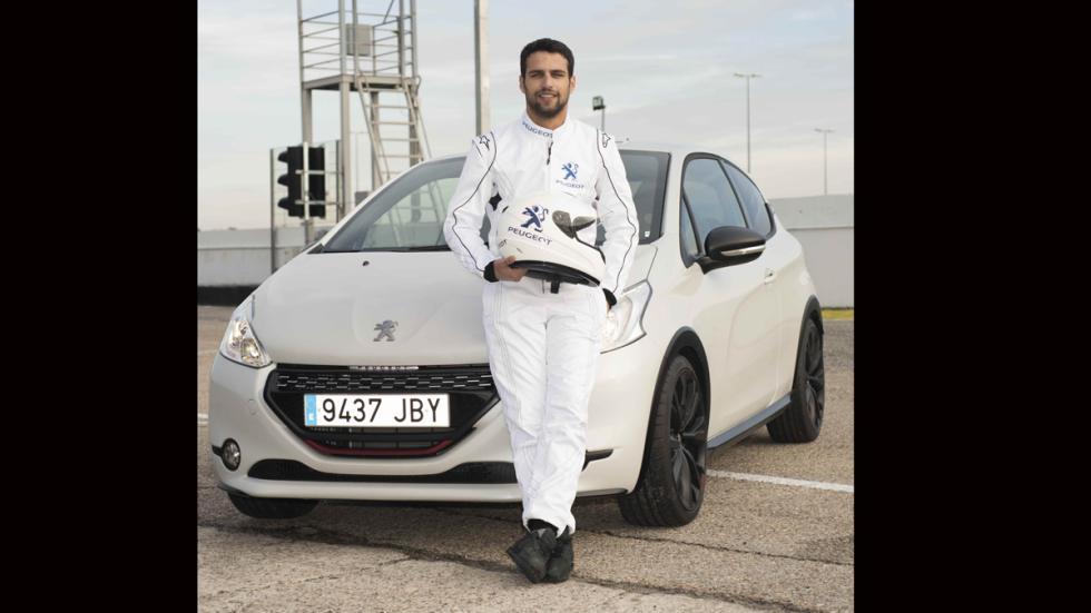 Jesús castro presentación Peugeot 208 Gti 30th