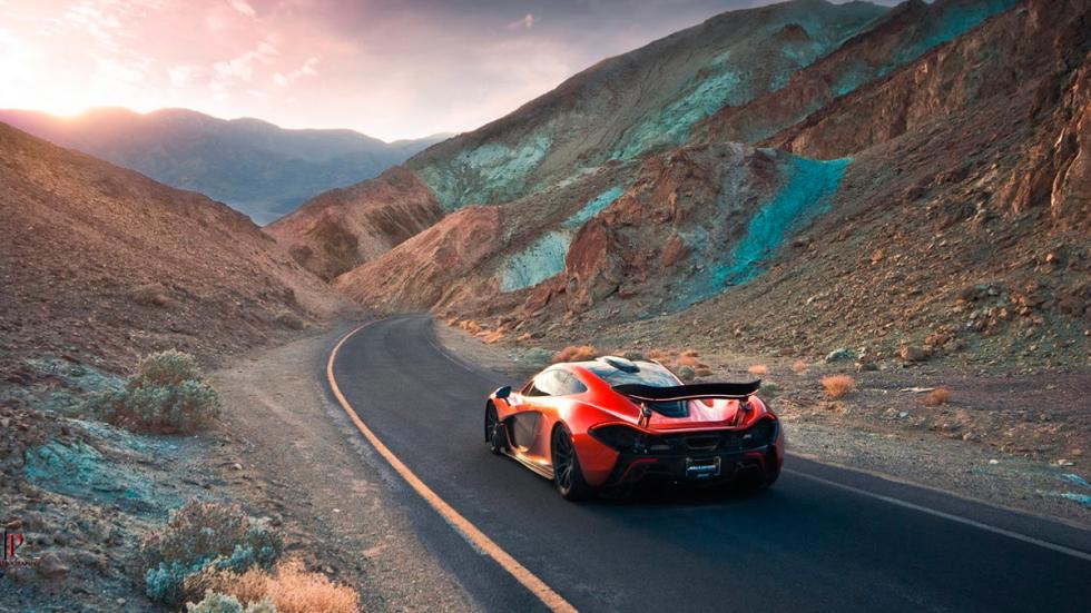 McLaren P1 en Death Valley dinámica