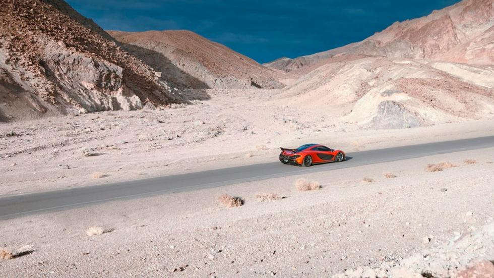 McLaren P1 en Death Valley