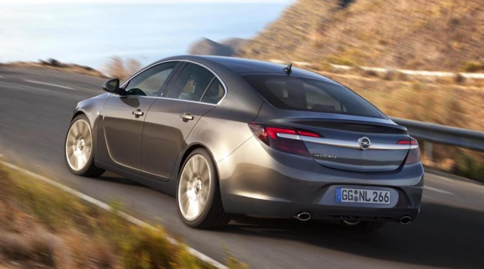 Opel Insignia trasera