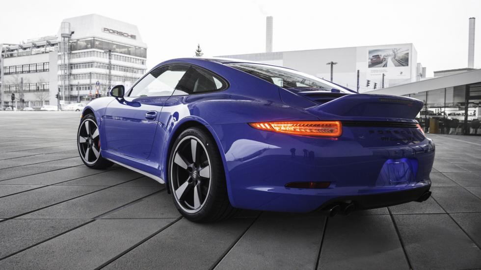 Porsche 911 GTS Club Coupé trasera