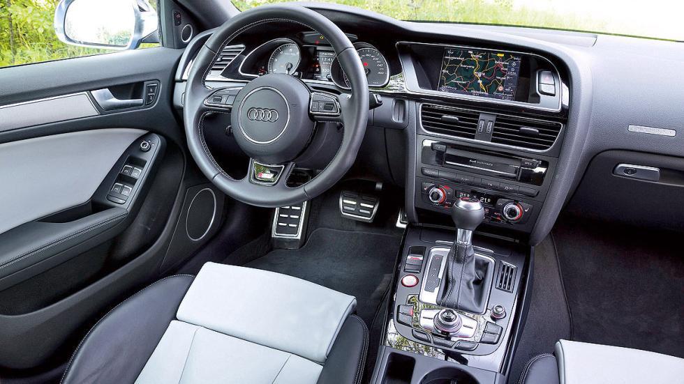 Audi S5 Sportback vs. BMW 435i Gran Coupé, Audi interior
