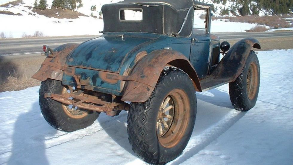 Ford Model A 'Bigfoot' trasera nieve