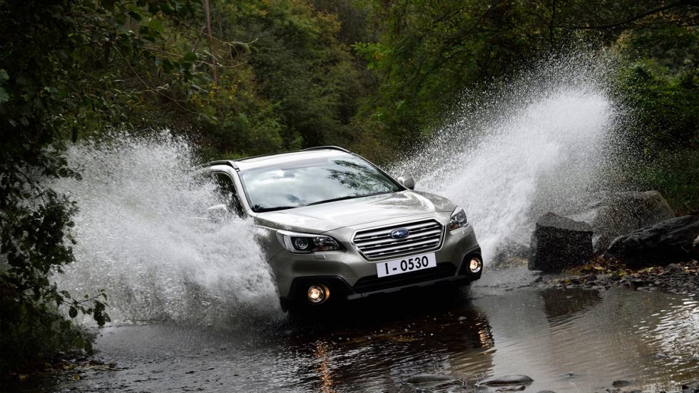 Subaru Outback 2015 offroad