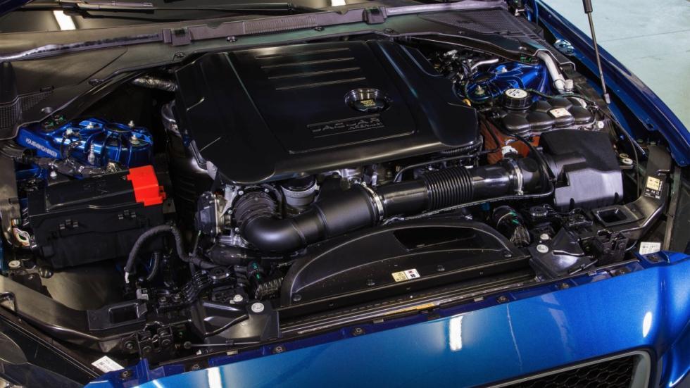 jaguar-xe-motor-diesel