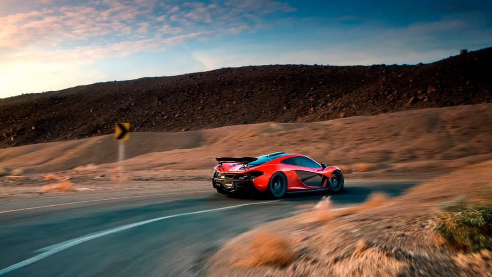 McLaren P1 en Death Valley barrido
