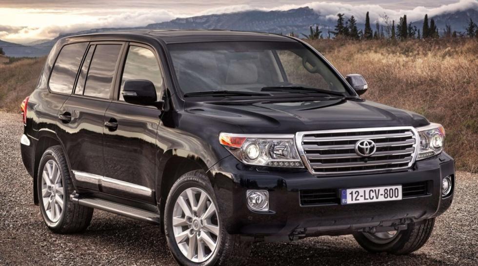 Toyota Land Cruiser 200 delantera