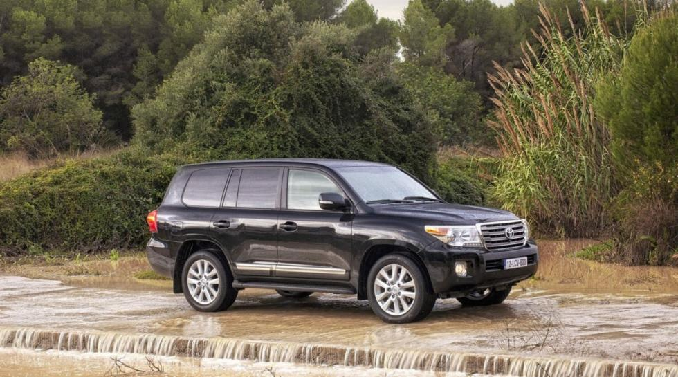 Toyota Land Cruiser 200 lateral