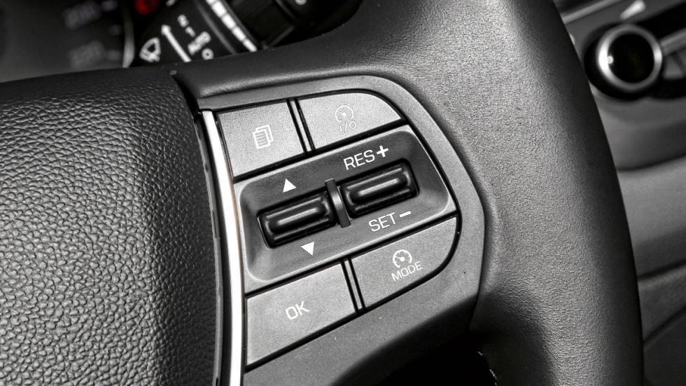 Hyundai i20 2014 mandos volante