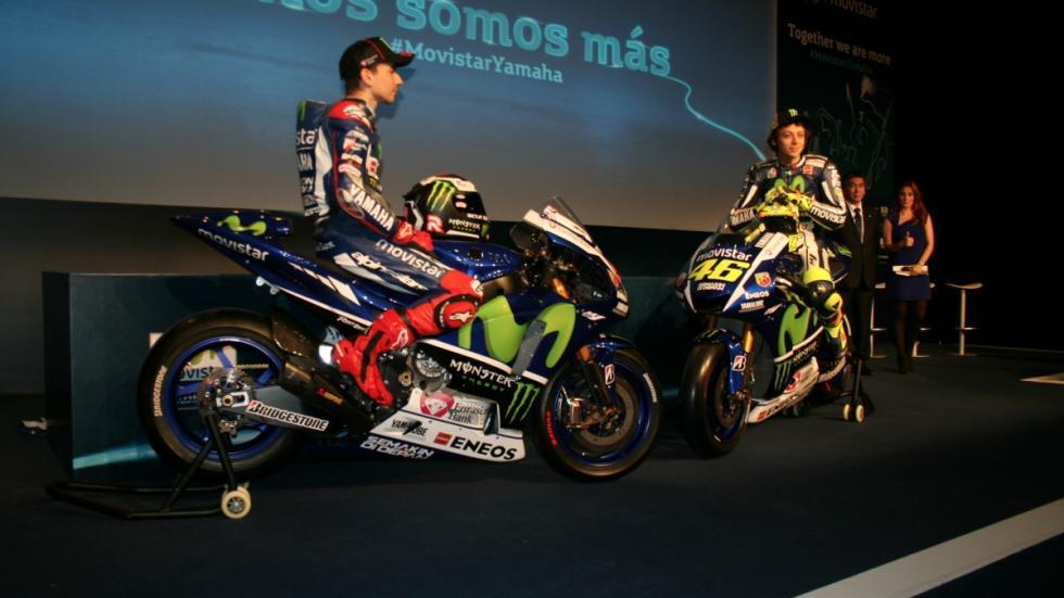 Lorenzo y Rossi presentan la nueva Yamaha M1 de MotoGP 2015