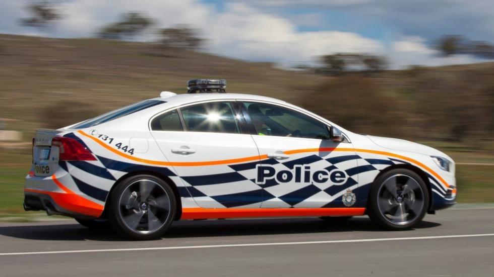 Volvo S60 T6 tuneado para la policía australiana dinámica