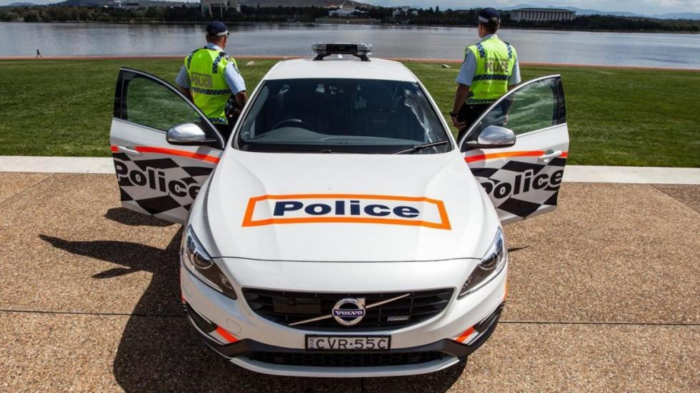Volvo S60 T6 tuneado para la policía australiana frontal