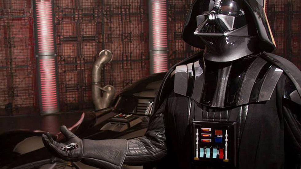 El Corvette de Darth Vader detalle Caballero Oscuro
