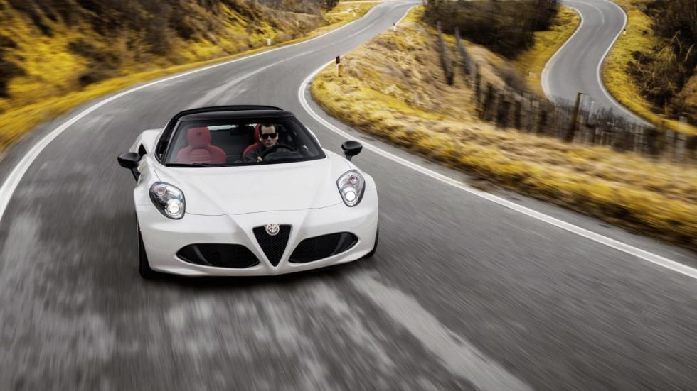 Alfa Romeo 4C Spider frontal movimiento