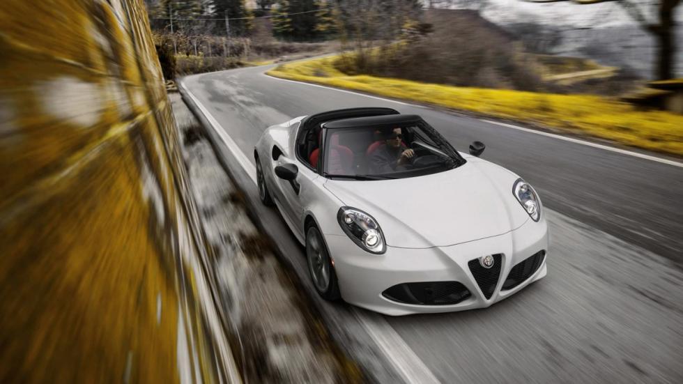 Alfa Romeo 4C Spider con techo