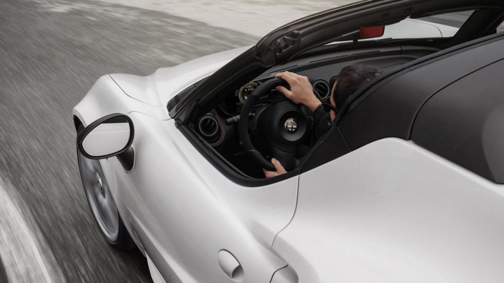 Alfa Romeo 4C Spider habitáculo