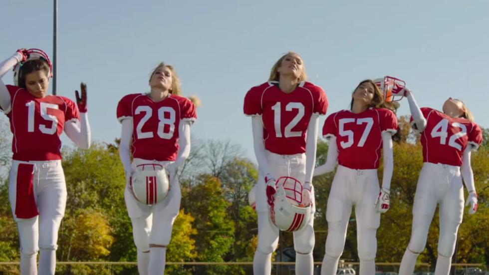 Anuncios Victoria's Secret SuperBowl 2015 futbol americano 11