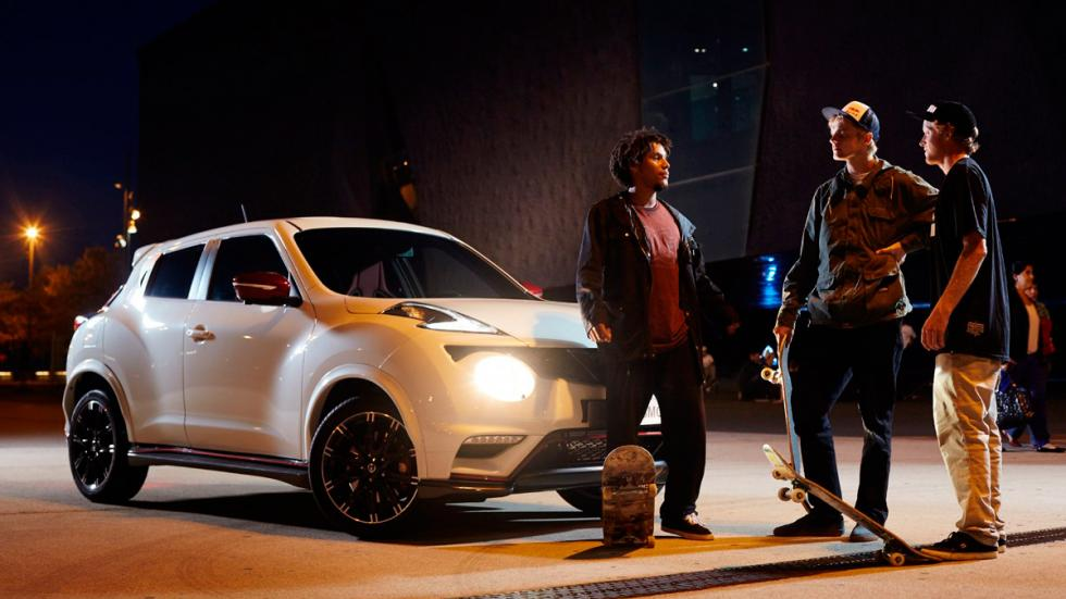 Nissan Juke & DC Shoes - skaters