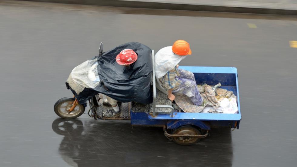 Conducción-lluvia-moto-funda